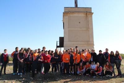 969979fa8e87b Alumnos y alumnas de 5º y 6º de Primaria del CEIP Miguel Hernández han  participado esta mañana en una visita teatralizada a la Torre de Telegrafía  Óptica de ...
