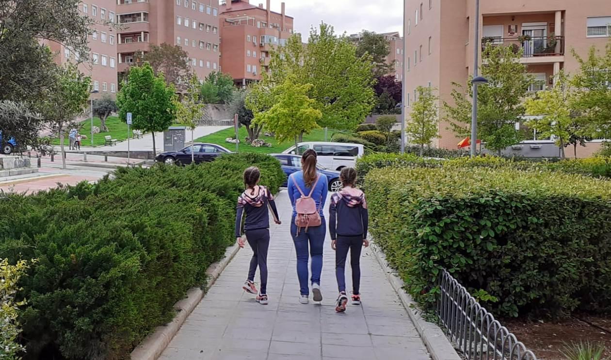 La Comunidad de Madrid modifica los horarios de paseos y actividad física de los menores de 14 años